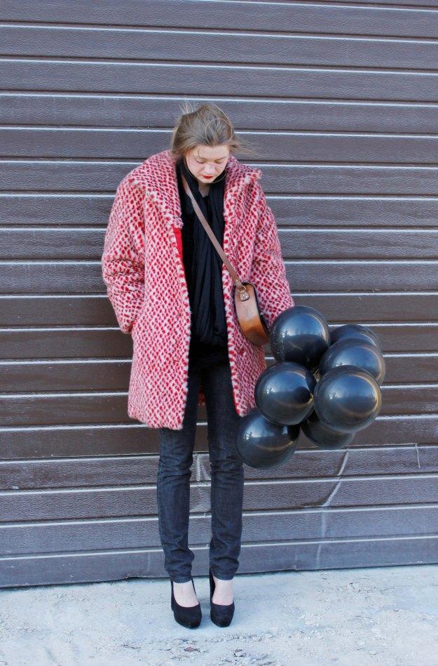 deadlyinlove blog multicolor coat chunky heels