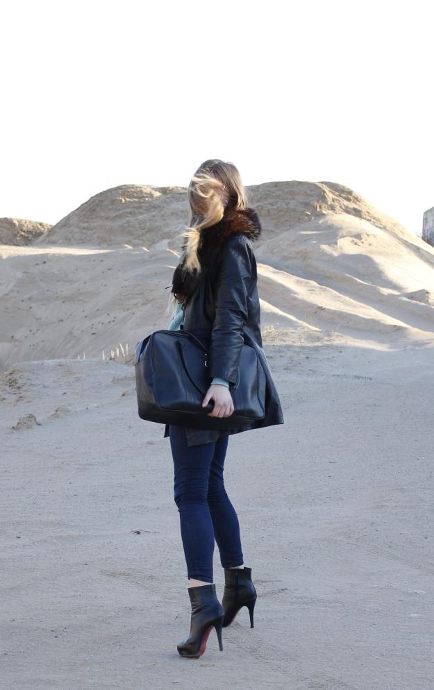 oversized bag estee lauder red sole heels