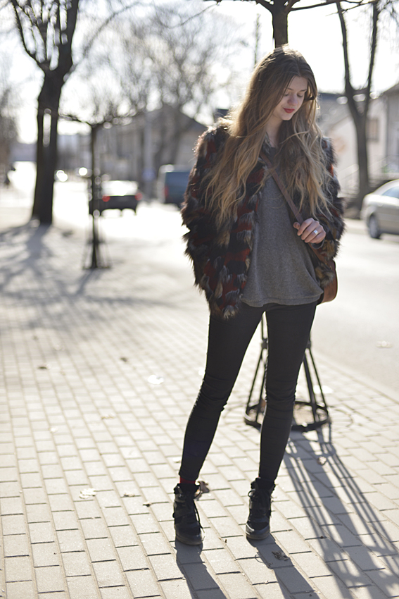 rock chic street style fur coat