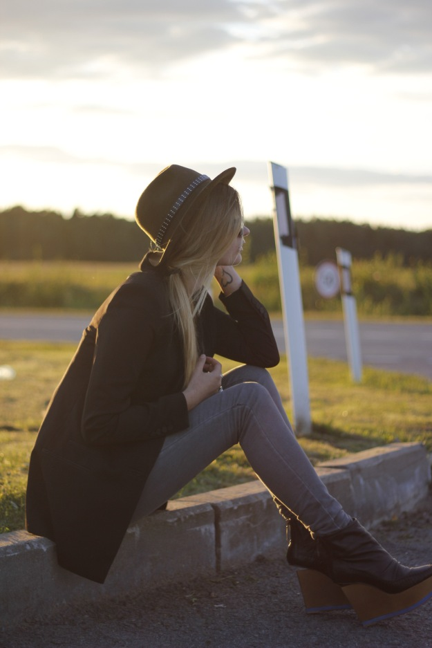 fashion blog black blazer olsen