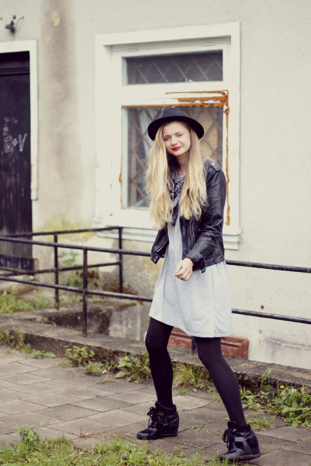 romantic casual look fashion street style