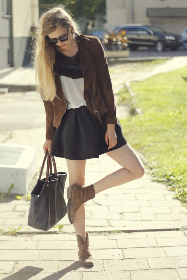 brown leather jacket look style