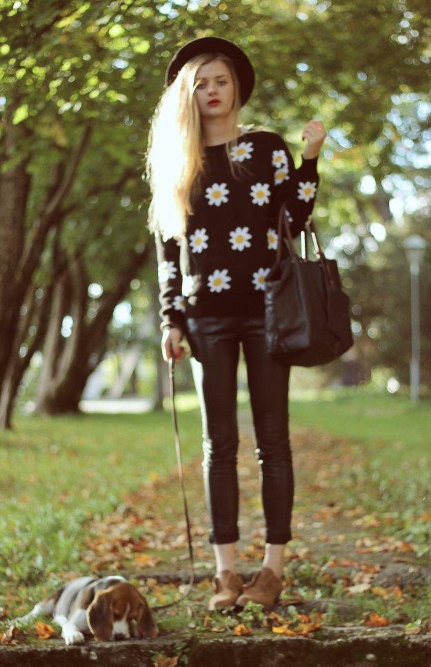 daisy print sweater