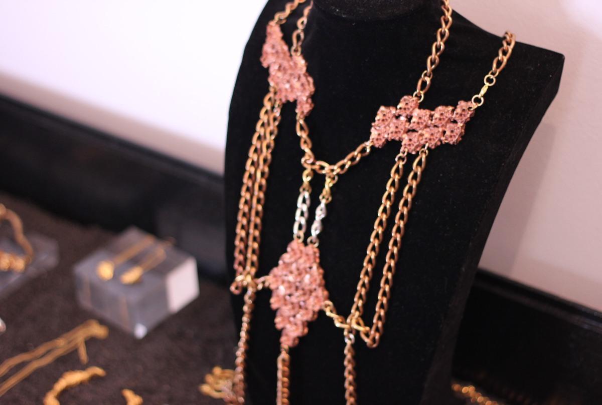 c jewelery harness