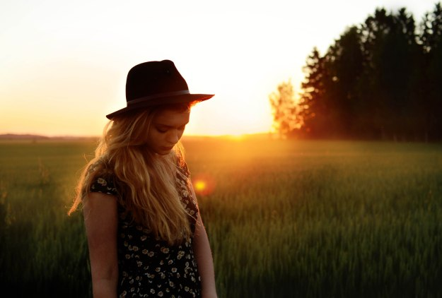 fields boho chic evening photography